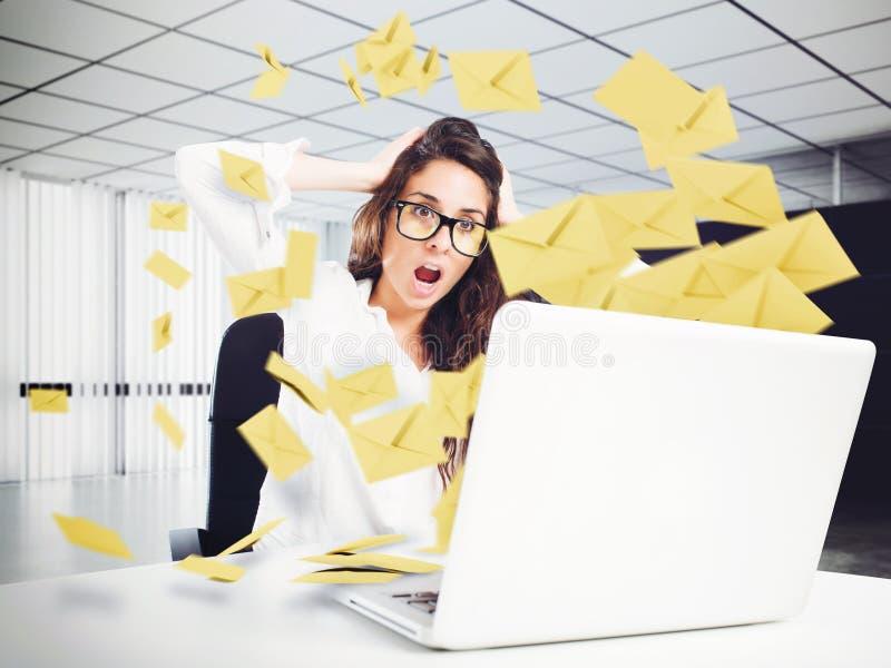 Rozpacz i stres dla spama emaila obraz stock