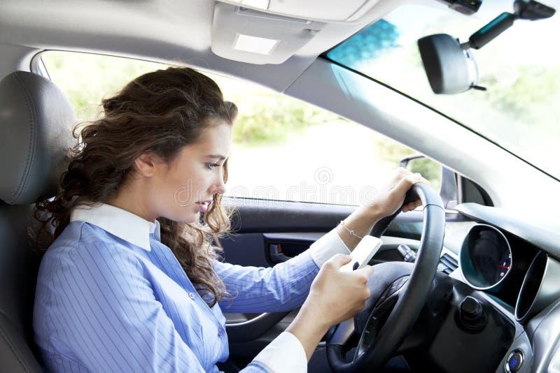 rozpraszać uwagę kierowca zdjęcie stock