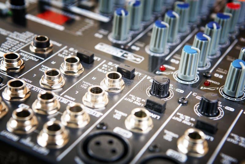 Rozsądny muzyczny melanżeru pulpit operatora zdjęcia royalty free
