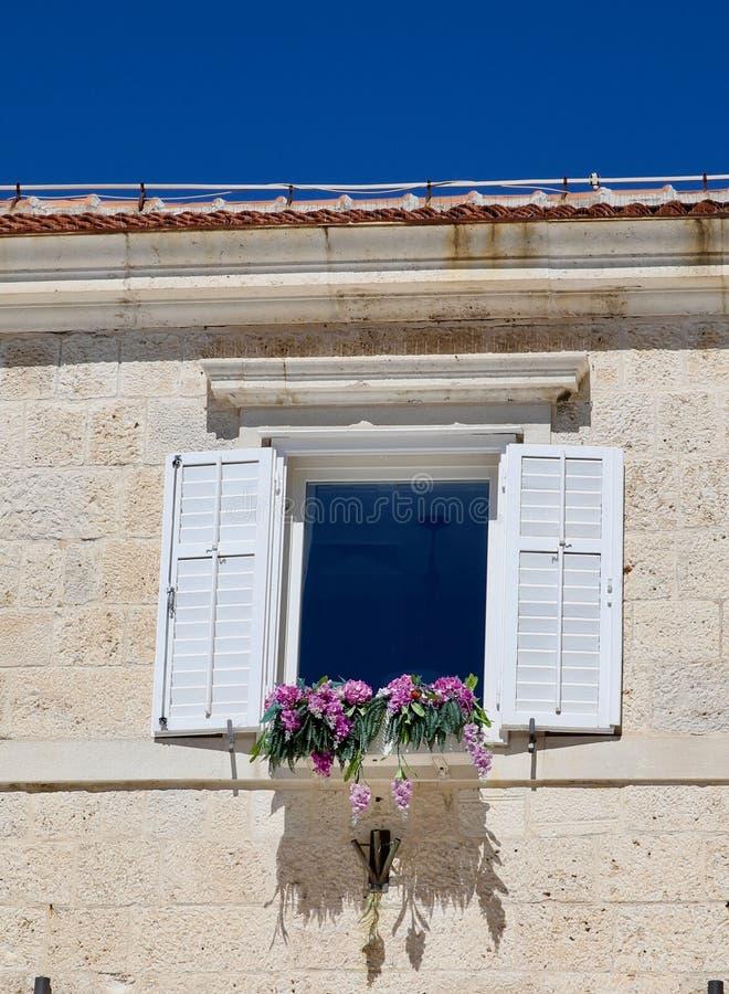 Rozszczepiony Chorwacja okno fotografia stock
