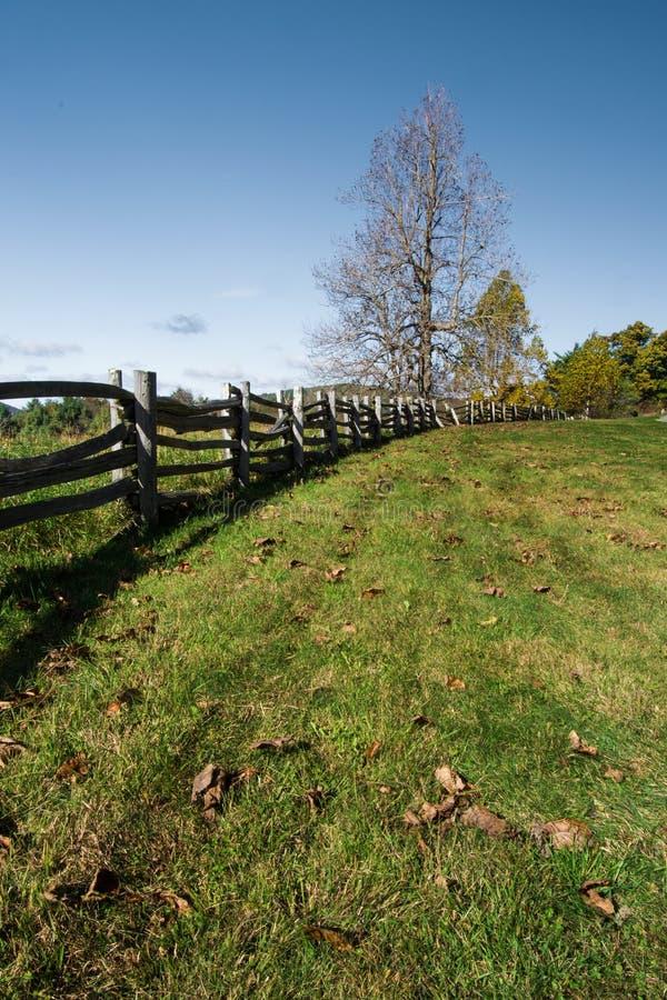 Rozszczepiony Sztachetowy ogrodzenie - Błękitny grani Parkway, VA, usa zdjęcie royalty free