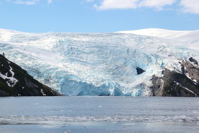 Roztapiającego lodowa góra lodowa zdjęcia royalty free