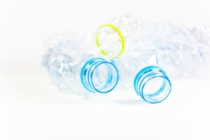 Roztrzaskujący plastikowy bidon zdjęcia stock