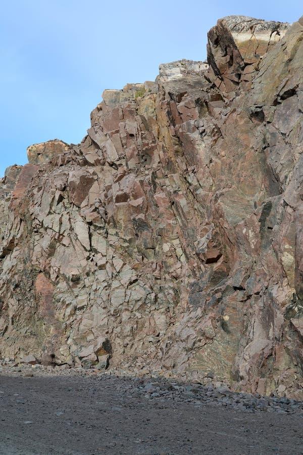 Rozwój kamienni skaliści trakeny w północy obrazy royalty free