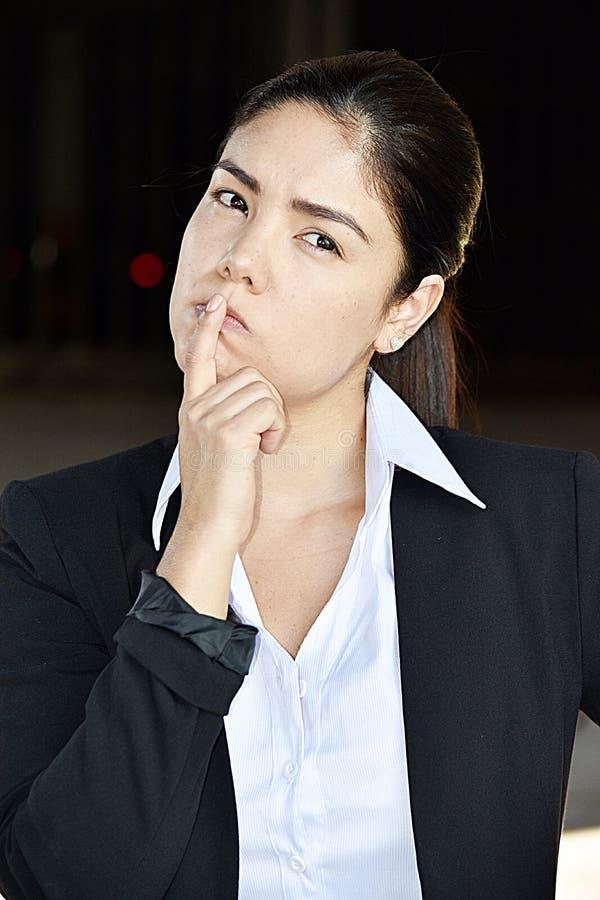 Rozważna Inteligentna Biznesowa kobieta zdjęcia royalty free