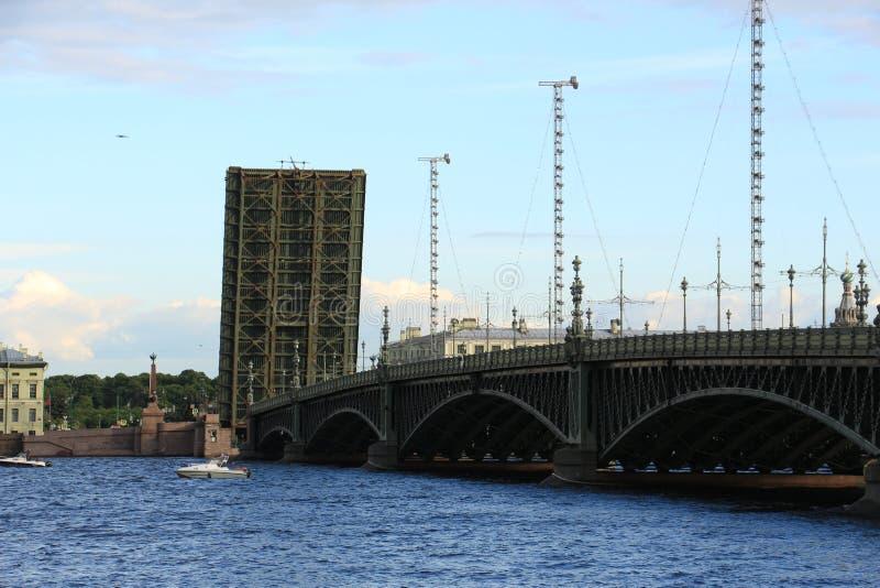 Rozwiedziony trójca most obrazy stock
