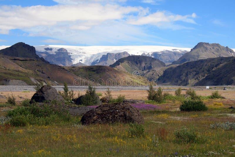 Rsmörk del ³ de Þà en Islandia con Mountain View foto de archivo