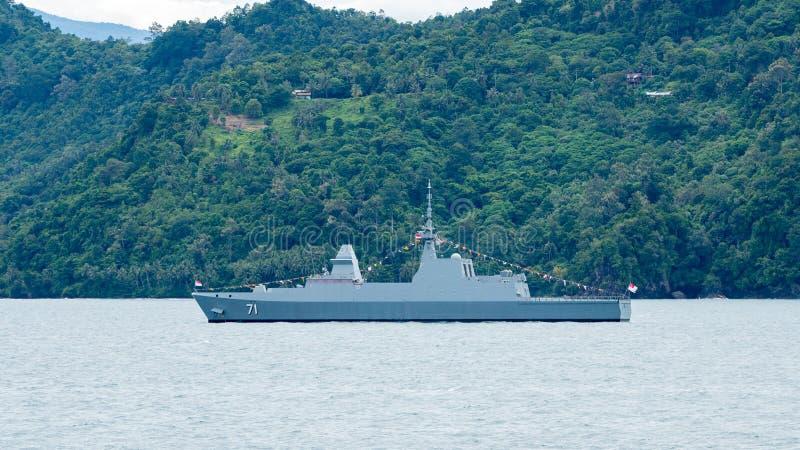 RSS 71 tenaci, multi fregata di azione furtiva di ruolo della classe ardua della marina di Singapore fotografia stock