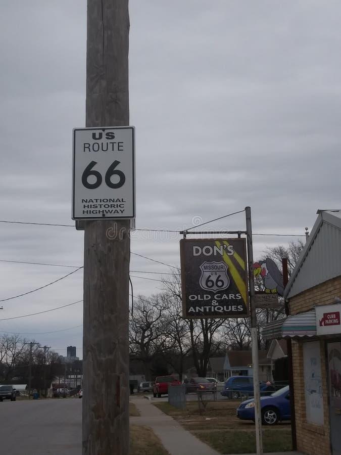 rt 66历史的标志 库存照片