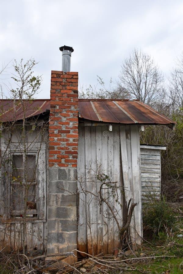 Ruína abandonada da casa fotografia de stock