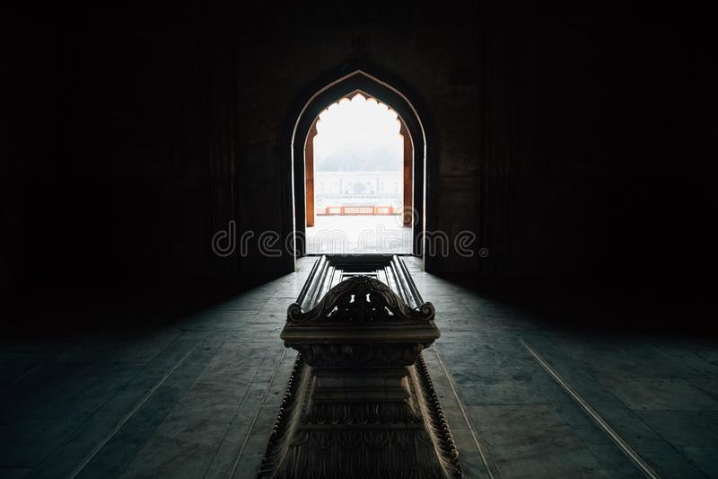 Ruínas antigas do túmulo de Safdarjung em Deli, Índia fotografia de stock royalty free