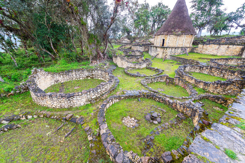 Ruínas da casa em Kuelap, Peru fotos de stock royalty free