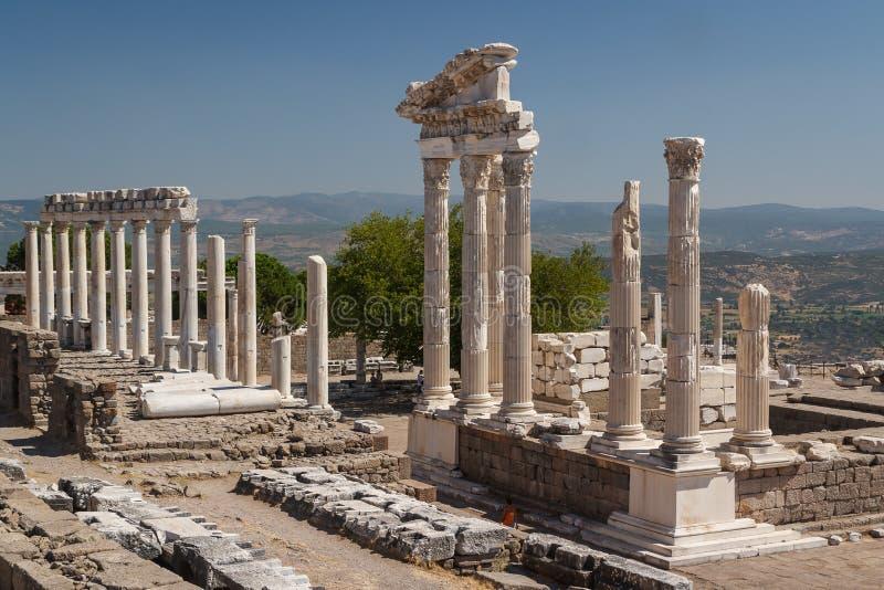 Ruínas da cidade antiga de Pergamon fotografia de stock