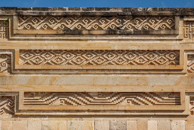 Ruínas da cidade Mitla de Zapotec do pre-hispânico fotografia de stock