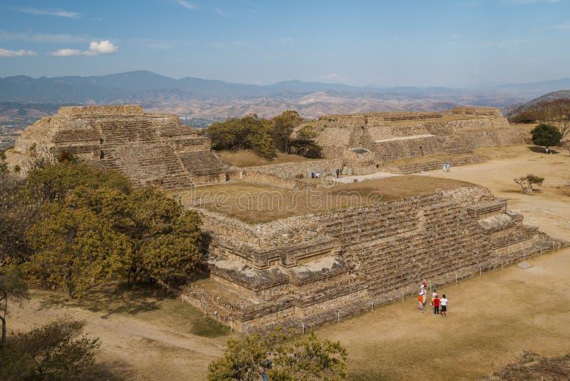 Ruínas da cidade Monte Alban do pre-hispânico do zapotec, Oaxaca foto de stock royalty free