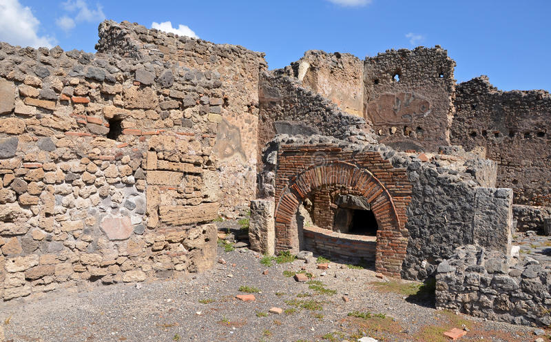 Ruínas da cidade romana antiga de Pompeii fotografia de stock