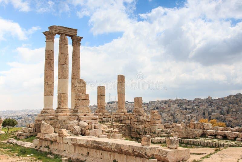 Ruínas da citadela de Amman em Jordânia imagens de stock