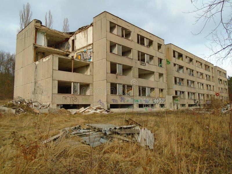 Ruínas da construção militar da segunda guerra Construções de Armys imagem de stock