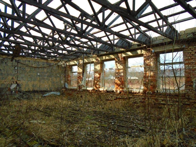 Ruínas da construção militar da segunda guerra Construções de Armys fotografia de stock