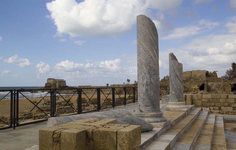 Ruínas da porta e da cidade em Caesarea.Israel fotografia de stock royalty free