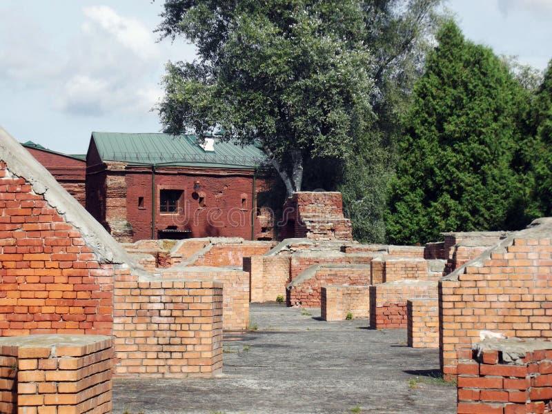 Ruínas das construções da fortaleza de Bresta fotos de stock royalty free
