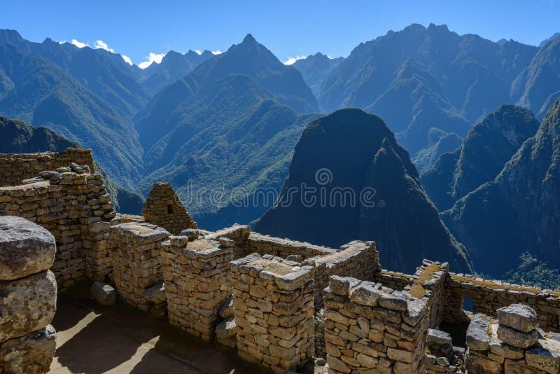 Ruínas das paredes em Machu Picchu imagens de stock