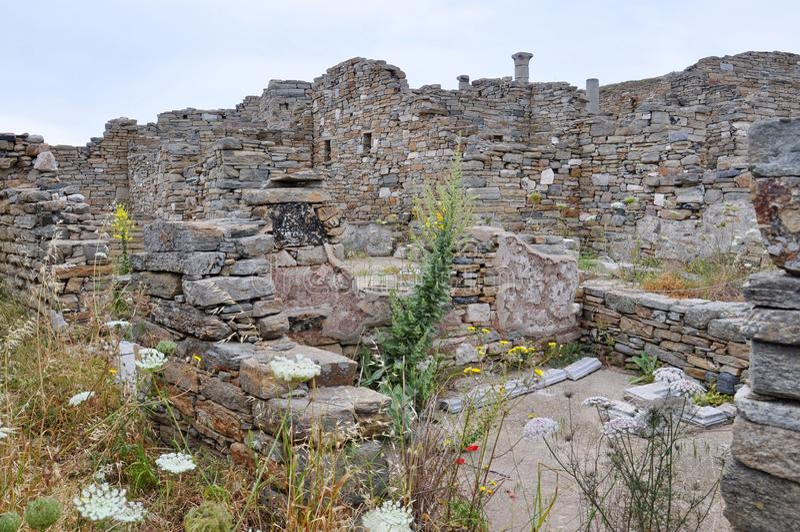 Ruínas de Delos antigo, ilha perto de Mykonos, Grécia fotografia de stock