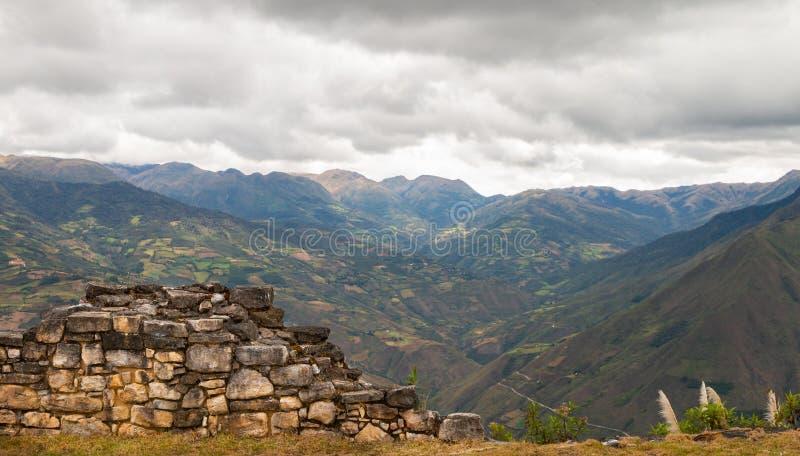 Ruínas de Kuelap na região peru dos chachapoyas foto de stock