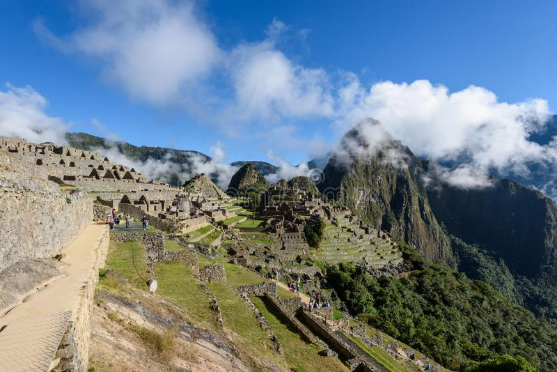 Ruínas de Machu Picchu em Sunny Day brilhante imagem de stock