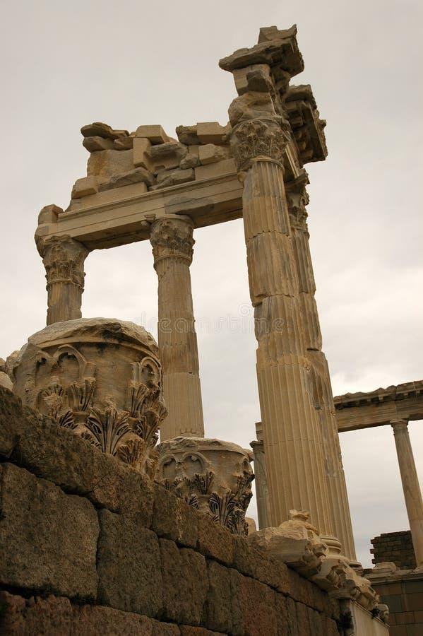Download Ruínas de Pergamon foto de stock. Imagem de grego, tijolos - 537114
