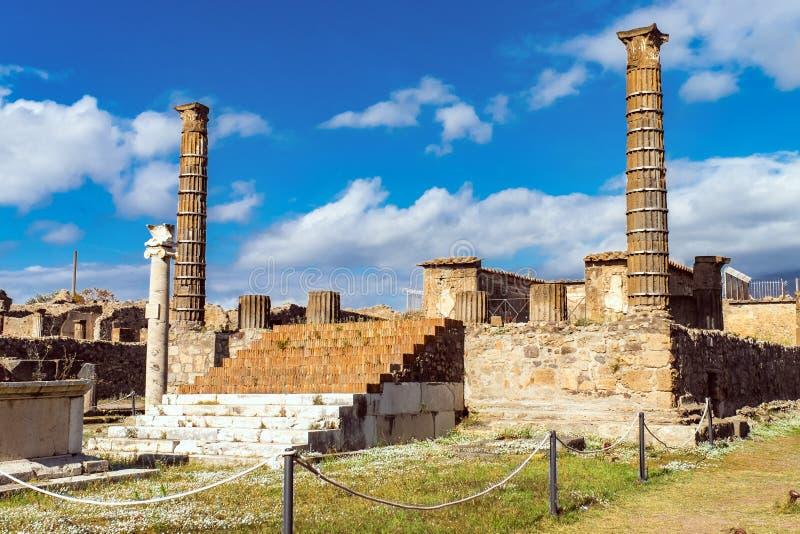 Ruínas de Pompeii antigo, cidade romana destruída pelo vulcão do Vesúvio imagem de stock