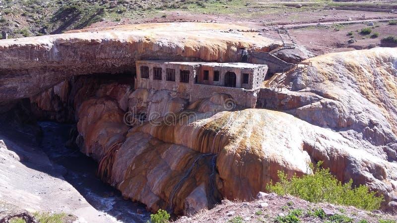 Ruínas de Puente del Inca em Mendoza, Argentina, Ámérica do Sul foto de stock royalty free