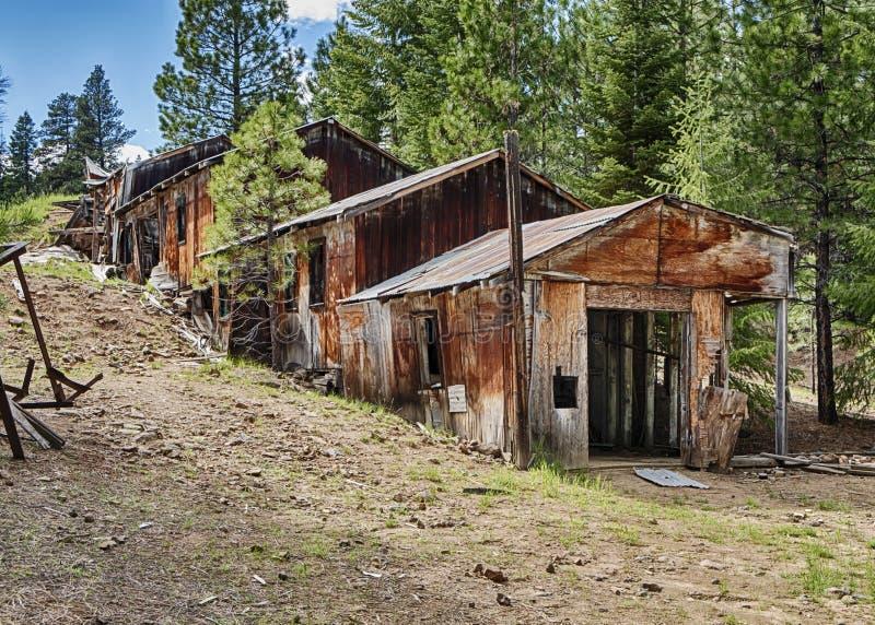 Ruínas de Ridge Mine azul foto de stock royalty free