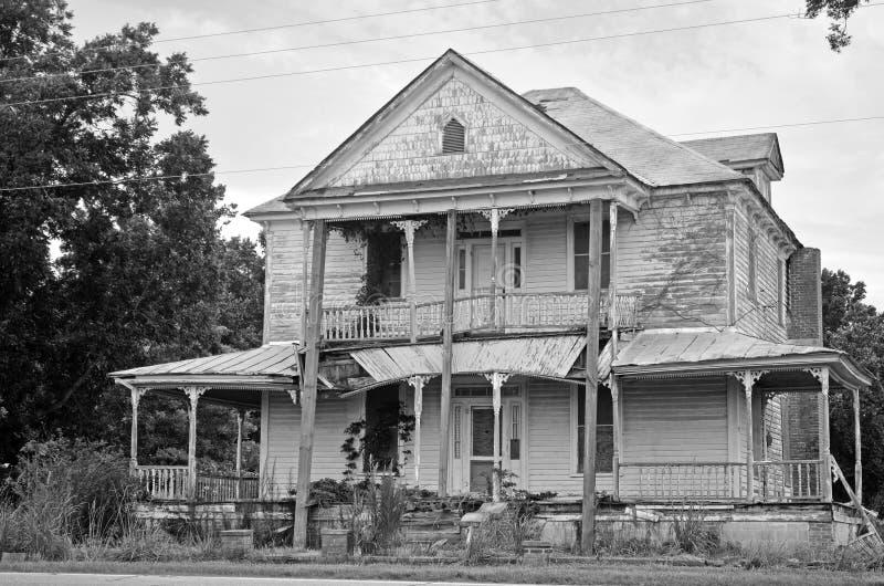 Ru nas de uma casa colonial americana da casa imagem de for Casa coloniale americana