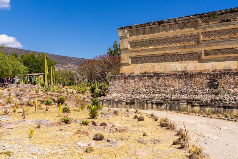 Ruínas de visita de Mitla e jardim do cacto fotos de stock royalty free
