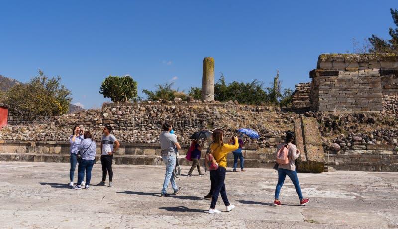 Ruínas de visita de Mitla e para aprender sobre astecas fotos de stock royalty free
