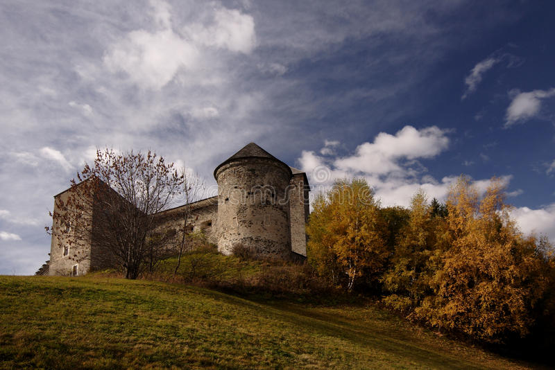Ruínas do castelo imagens de stock royalty free