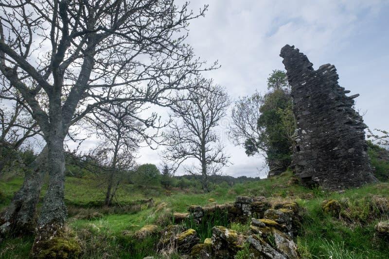 Ruínas do castelo de Ascog imagens de stock