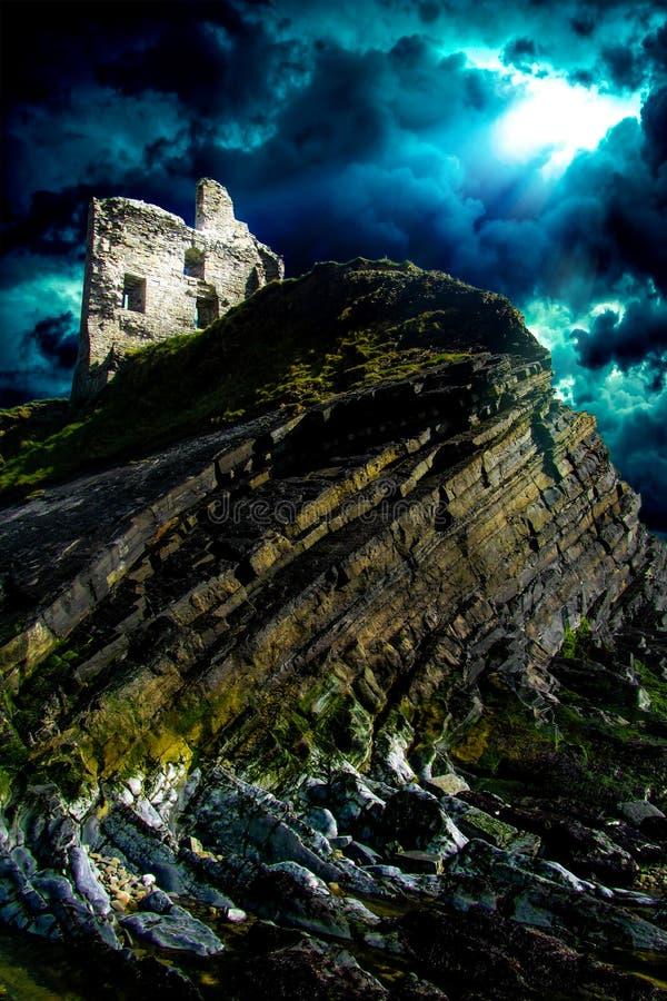 Ruínas do castelo de Ballibunion fotos de stock royalty free
