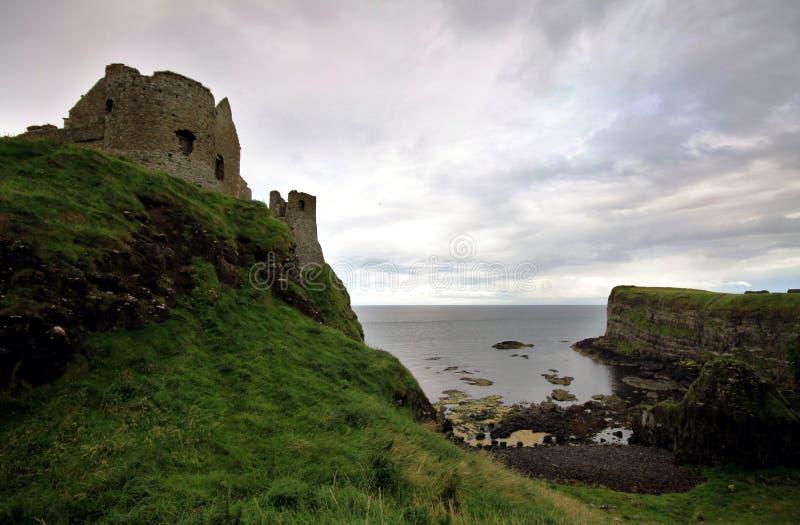 Castelo de Dunluce, Irlanda do Norte imagem de stock