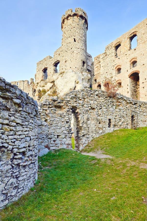 Ruínas do castelo de Ogrodzieniec no Polônia fotos de stock royalty free