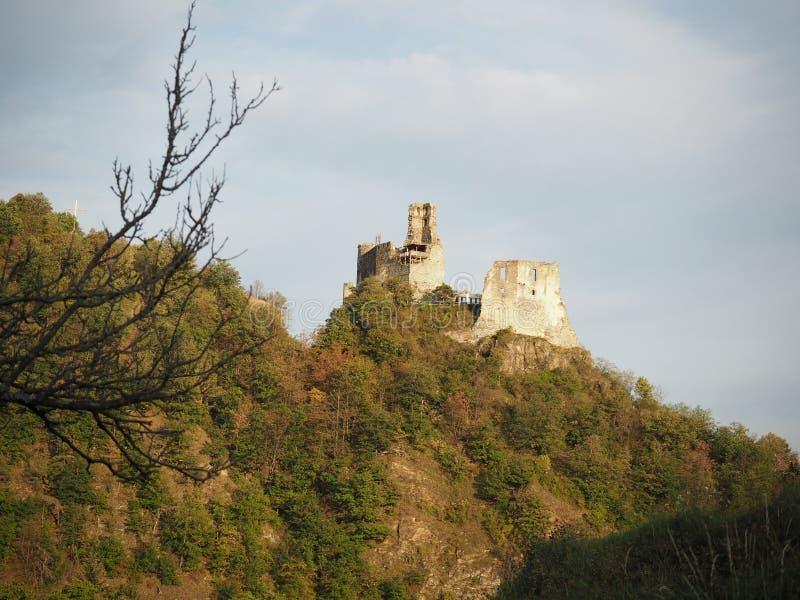 Ruínas do castelo de Senftenberg em Áustria fotos de stock