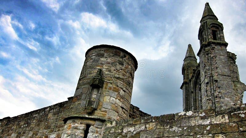 Ruínas do castelo de St Andrews, Inglaterra imagens de stock