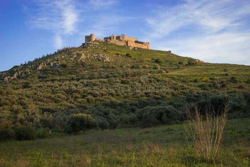 Ruínas do castelo medieval em Argos em Peloponnese em Grécia fotografia de stock