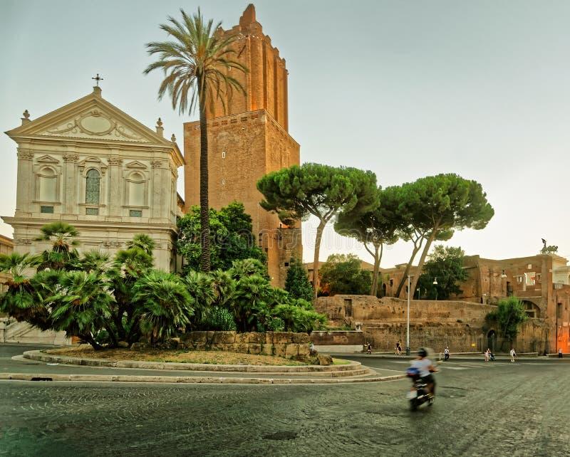 Ruínas do fórum de Trajan na cidade velha Roma Itália imagem de stock