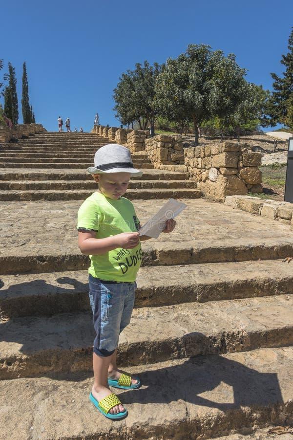 Ruínas do grego clássico e da cidade romana de Paphos Famoso, fotografia de stock
