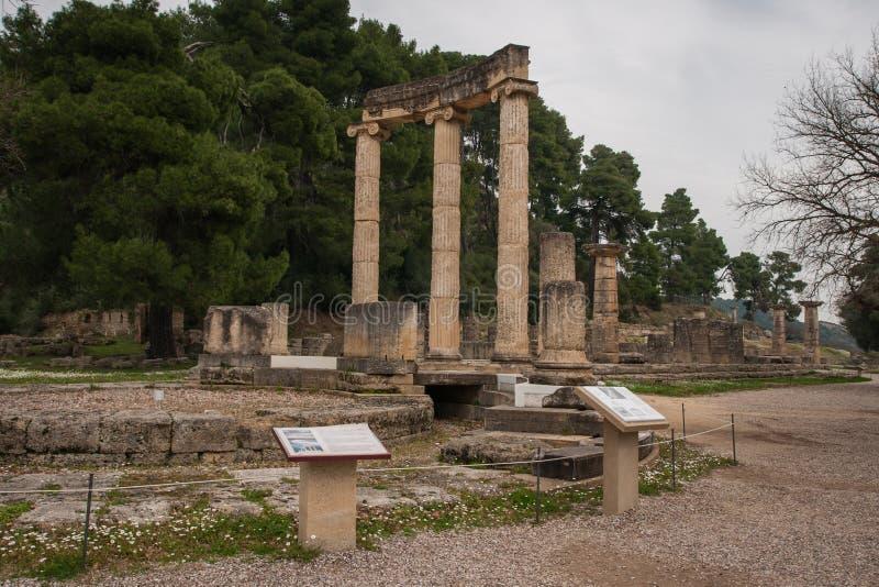 Ruínas do grego clássico no lugar arqueológico de Olimp antigo imagens de stock