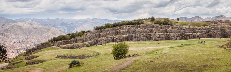 Ruínas do Inca de Sacsayhuaman na cidade de Cusco no Peru imagem de stock