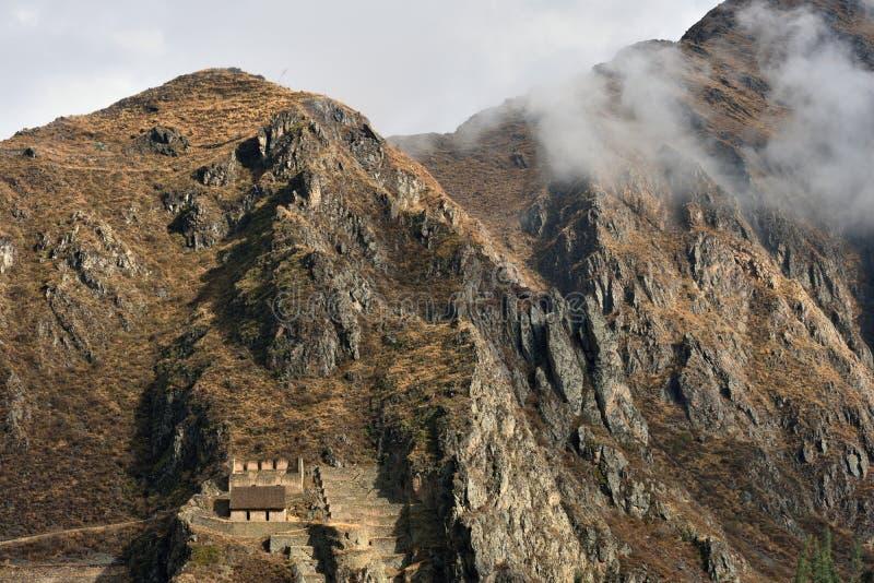 Ruínas do Inca na cidade de Ollantaytambo, Peru fotos de stock royalty free