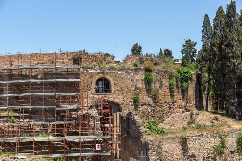 Ruínas do mausoléu de Augustus na cidade de Roma, Itália imagens de stock